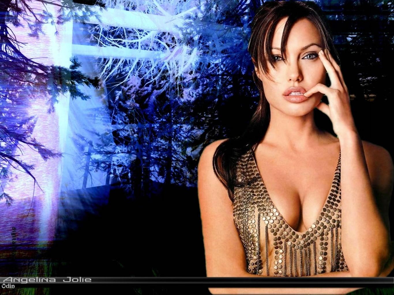 Анджелина джоли сосёт 24 фотография